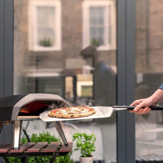 zelf pizza maken in uw eigen pizzaoven